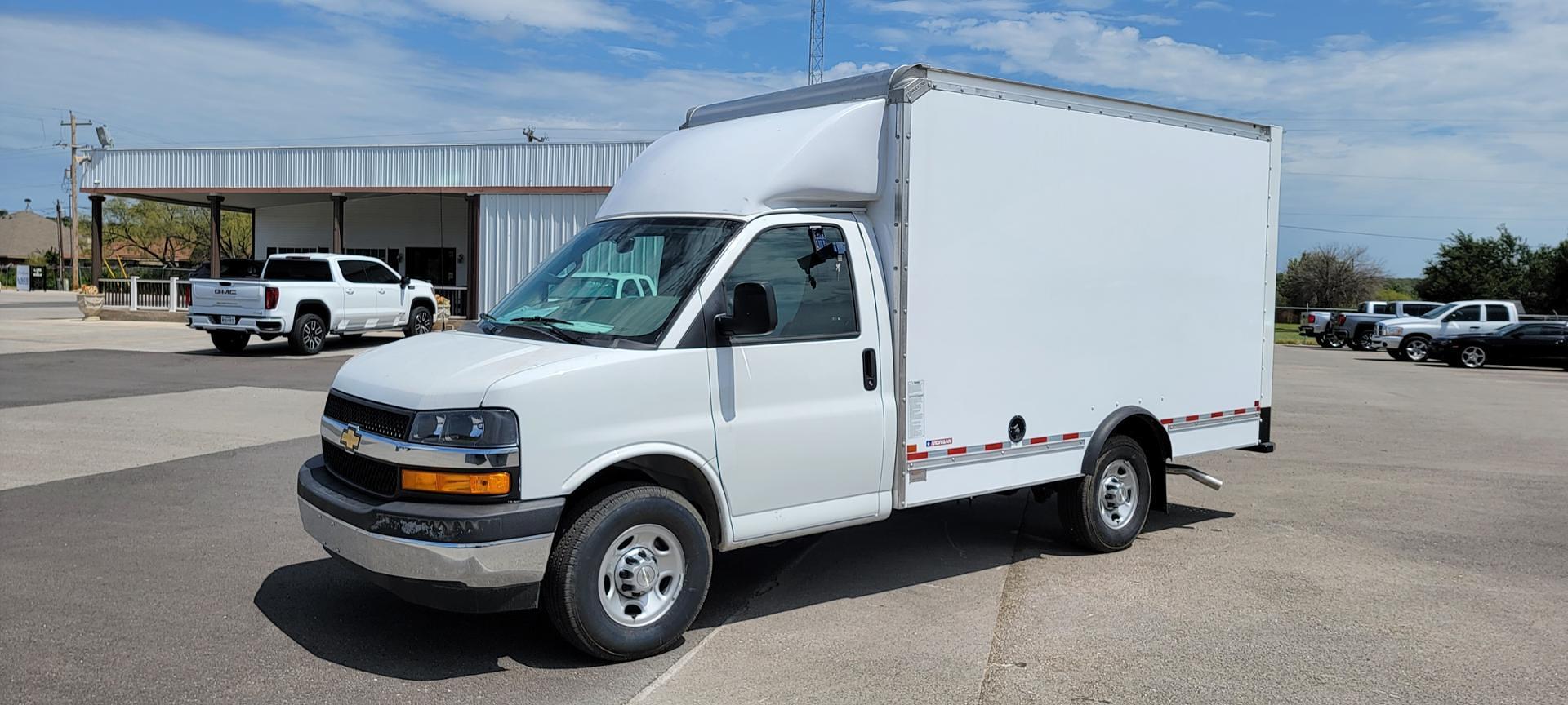 2021 Chevrolet Express 3500 4x2, Morgan Cutaway Van #5106670 - photo 1