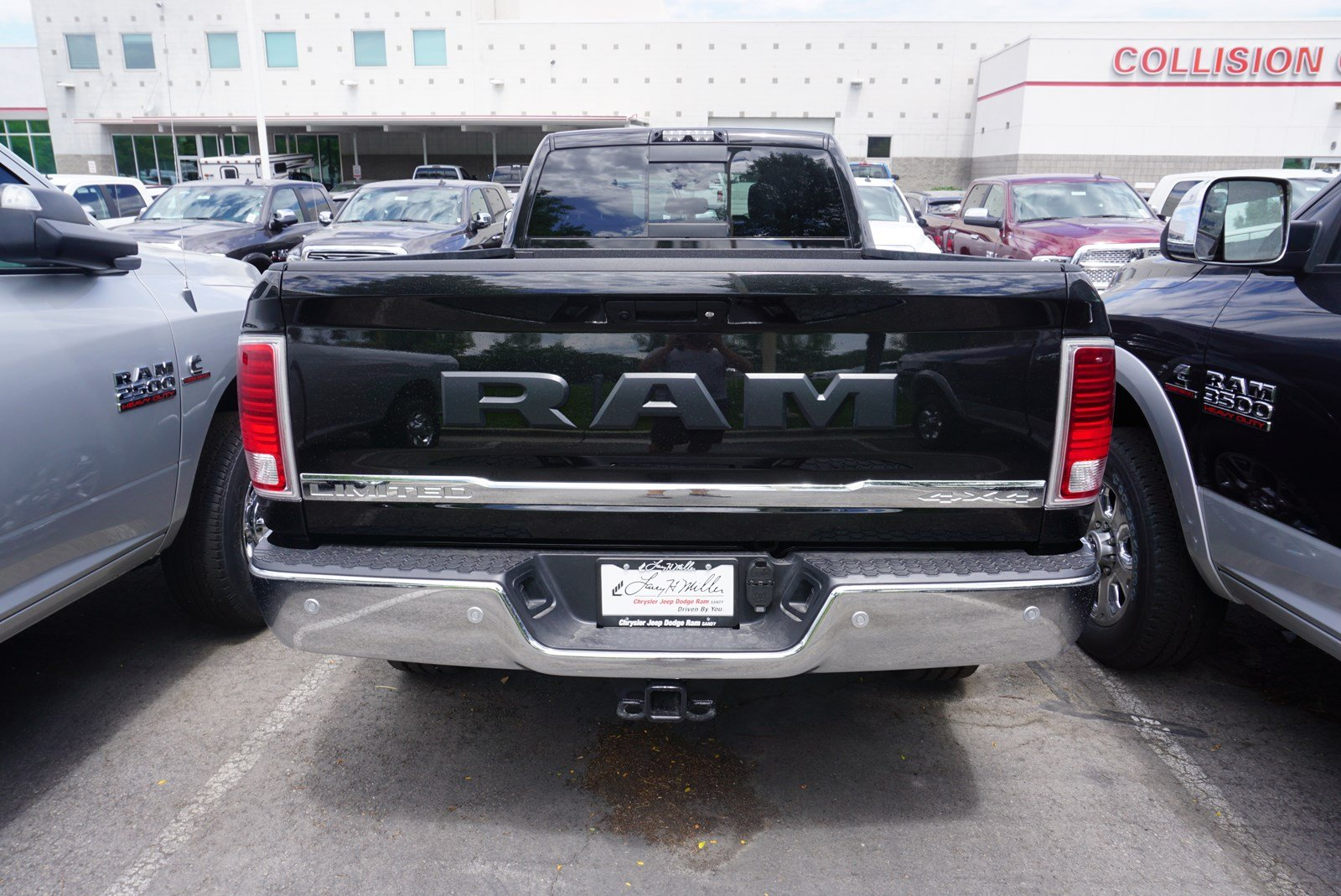 2017 Ram 3500 Crew Cab 4x4, Pickup #38048 - photo 7