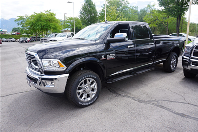 2017 Ram 3500 Crew Cab 4x4, Pickup #38048 - photo 5