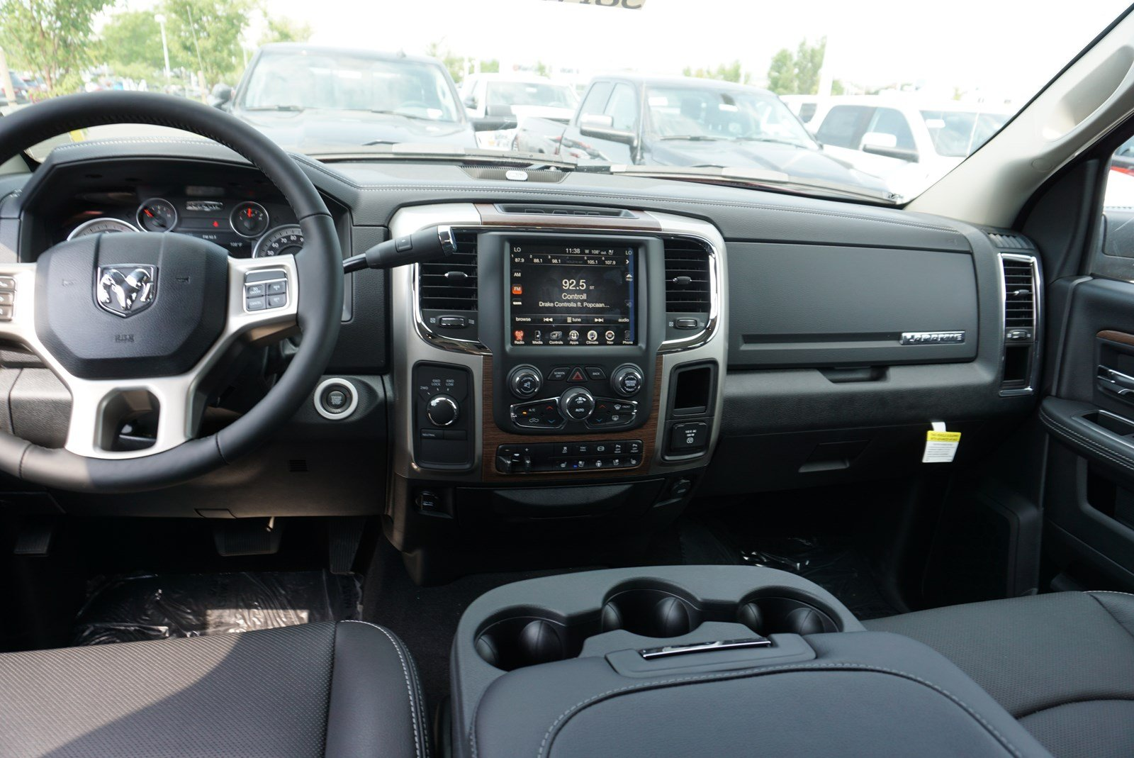 2017 Ram 3500 Mega Cab 4x4 Pickup #38197 - photo 10