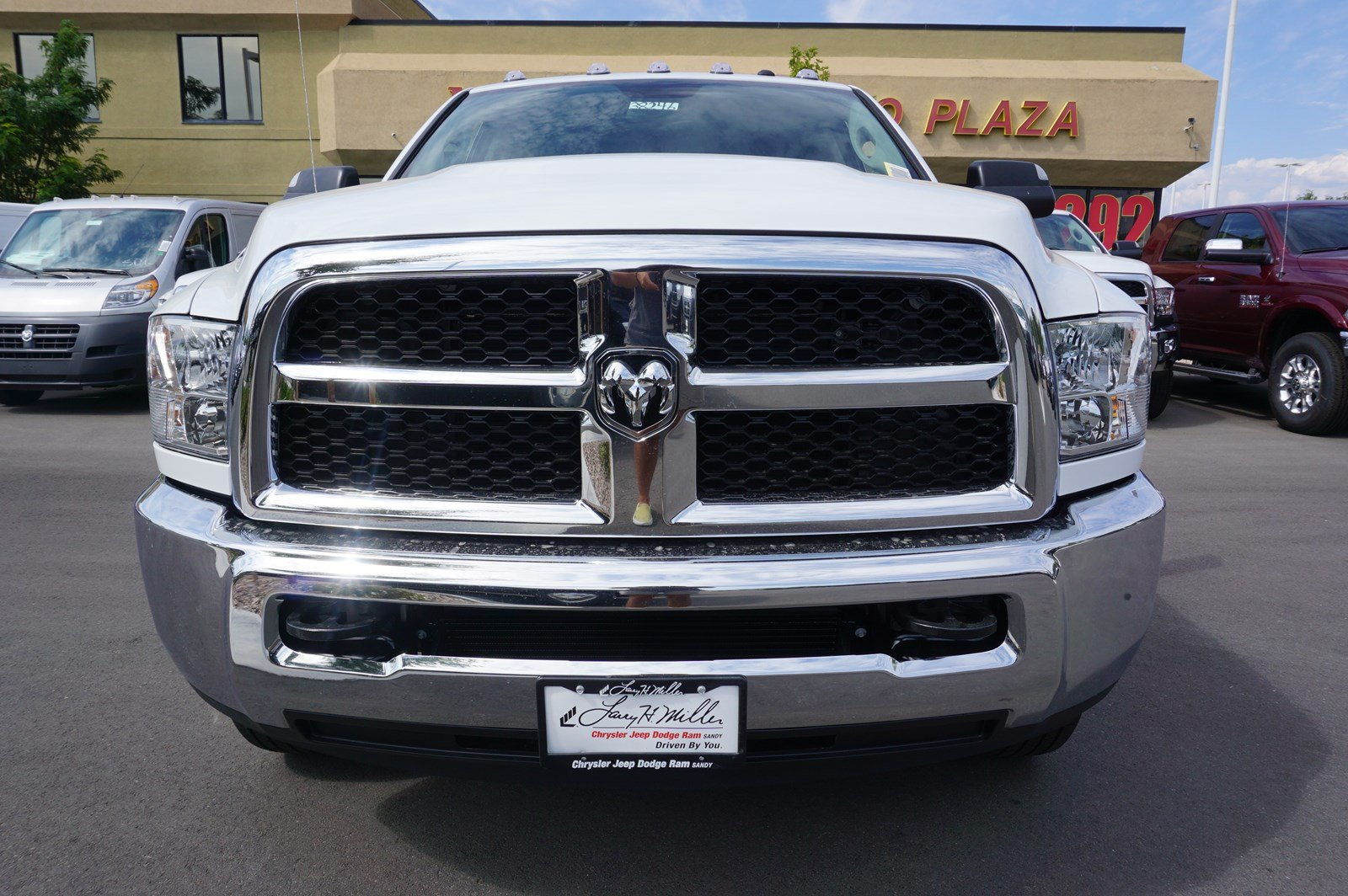 2017 Ram 3500 Crew Cab DRW 4x4 Pickup #38246 - photo 3