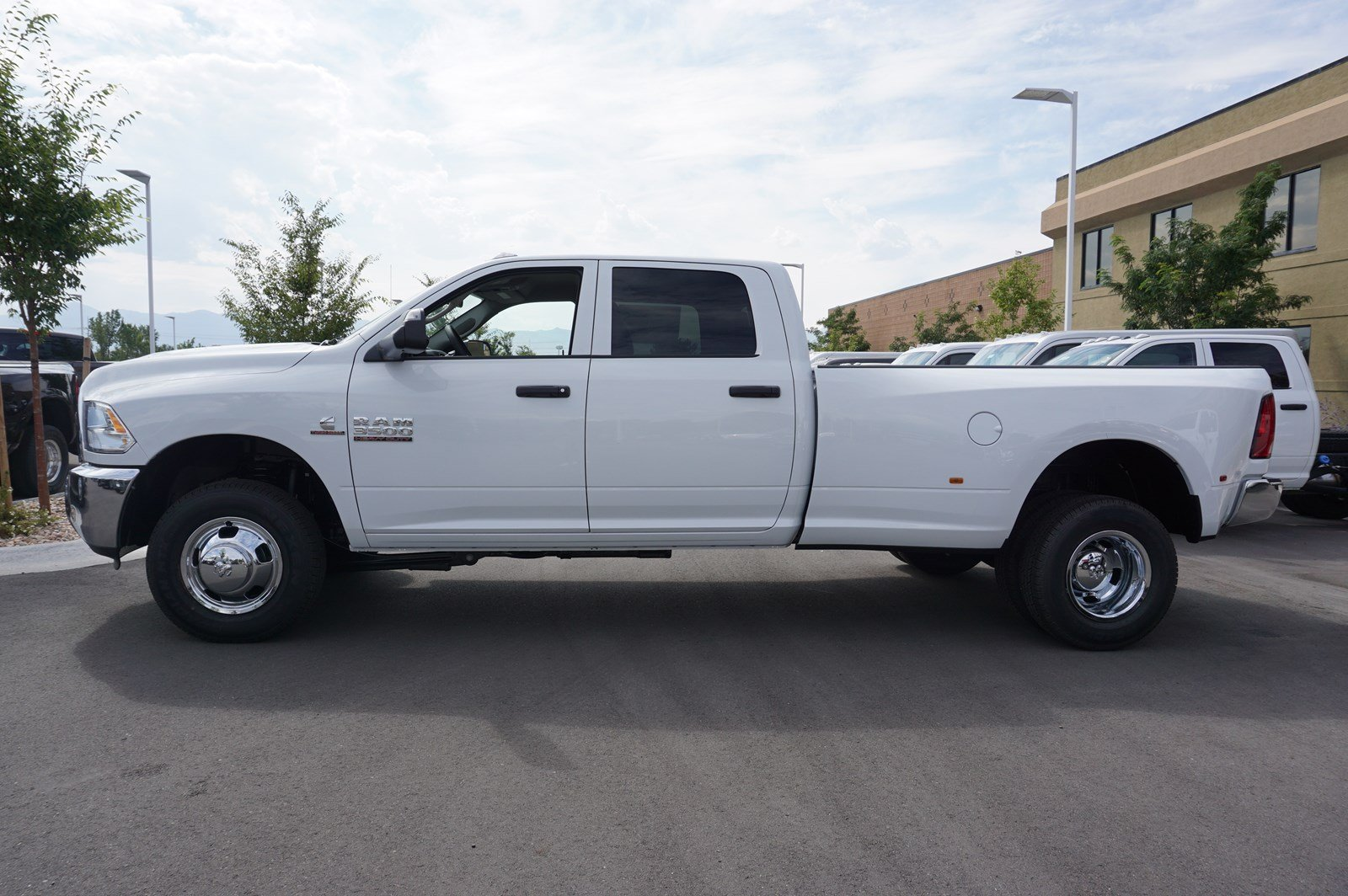 2017 Ram 3500 Crew Cab DRW 4x4 Pickup #38246 - photo 5