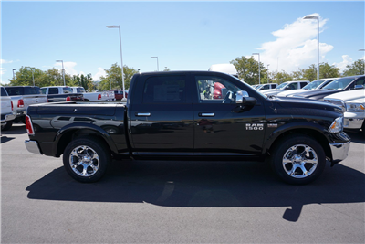 2017 Ram 1500 Crew Cab 4x4 Pickup #38289 - photo 8