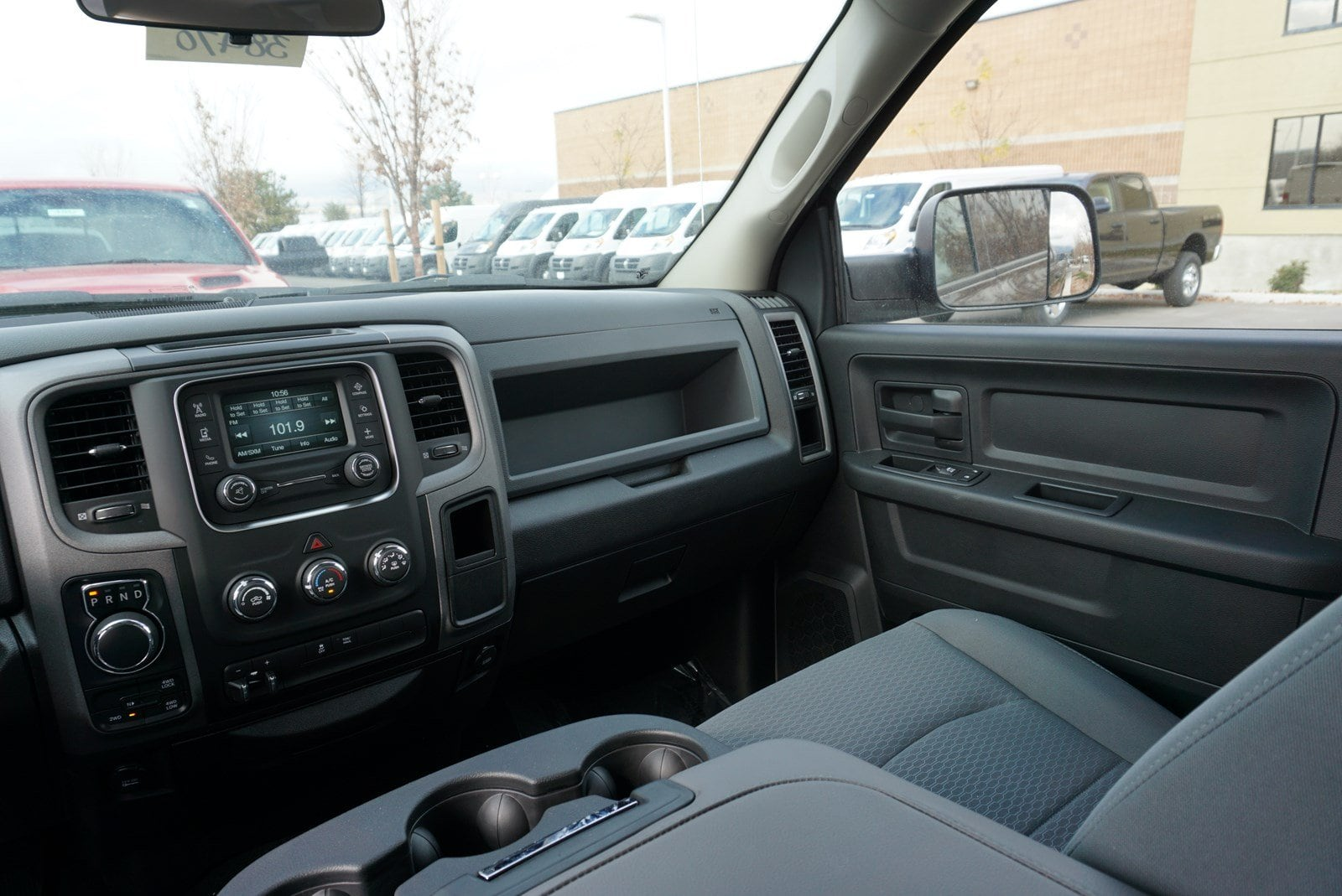 2017 Ram 1500 Crew Cab 4x4 Pickup #38470 - photo 11