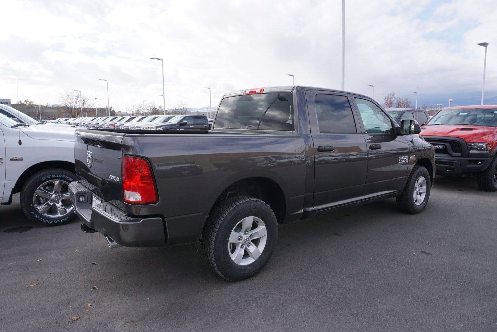 2017 Ram 1500 Crew Cab 4x4 Pickup #38470 - photo 2