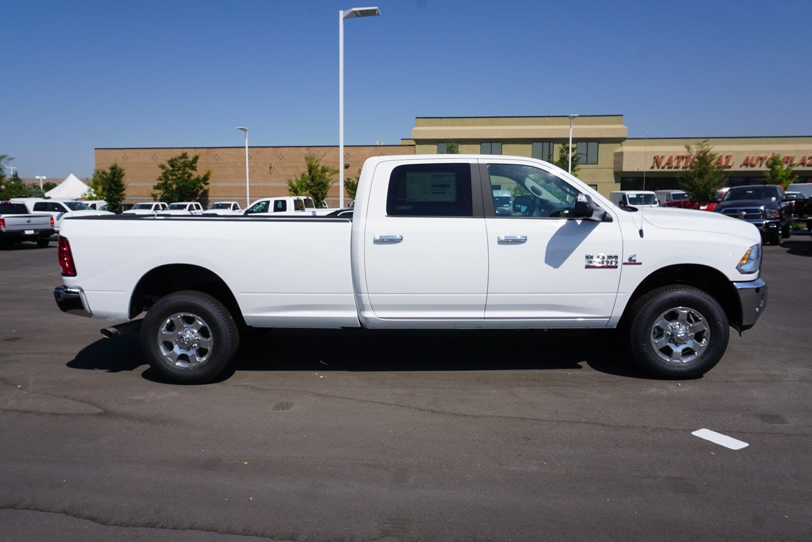 2018 Ram 3500 Crew Cab 4x4, Pickup #47019 - photo 8