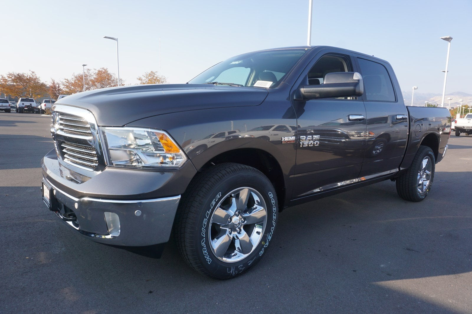 2018 Ram 1500 Crew Cab 4x4, Pickup #47025 - photo 4