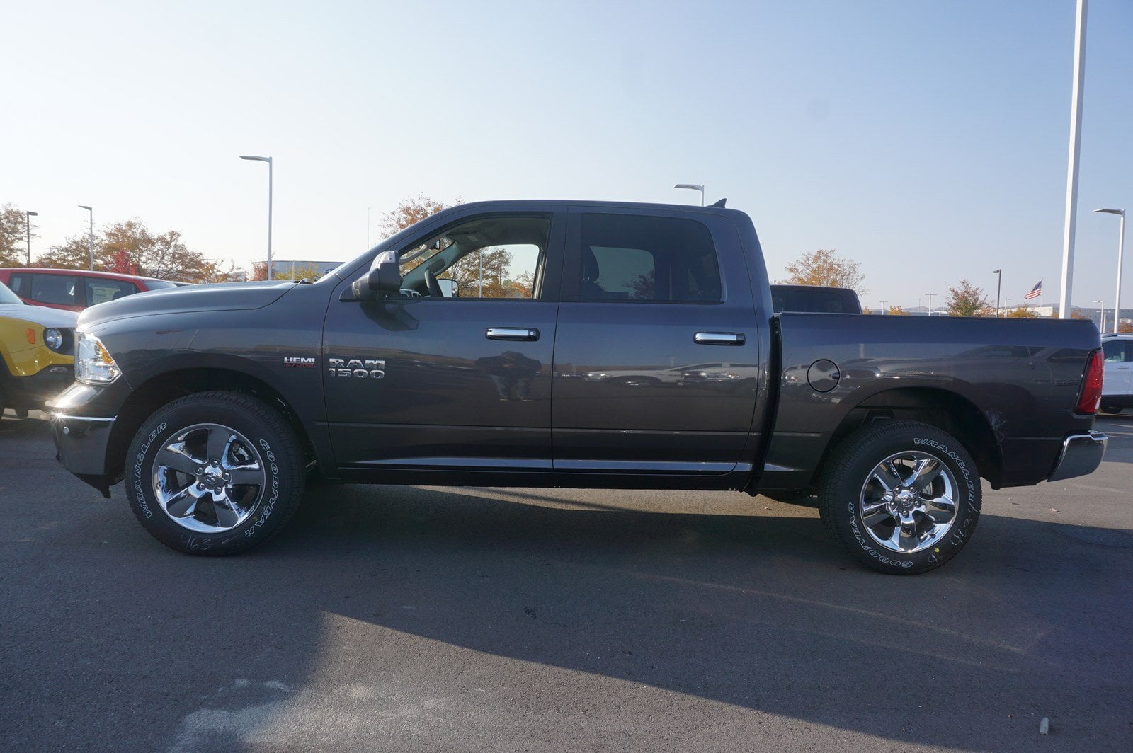 2018 Ram 1500 Crew Cab 4x4, Pickup #47025 - photo 5