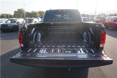 2018 Ram 1500 Crew Cab 4x4, Pickup #47025 - photo 20