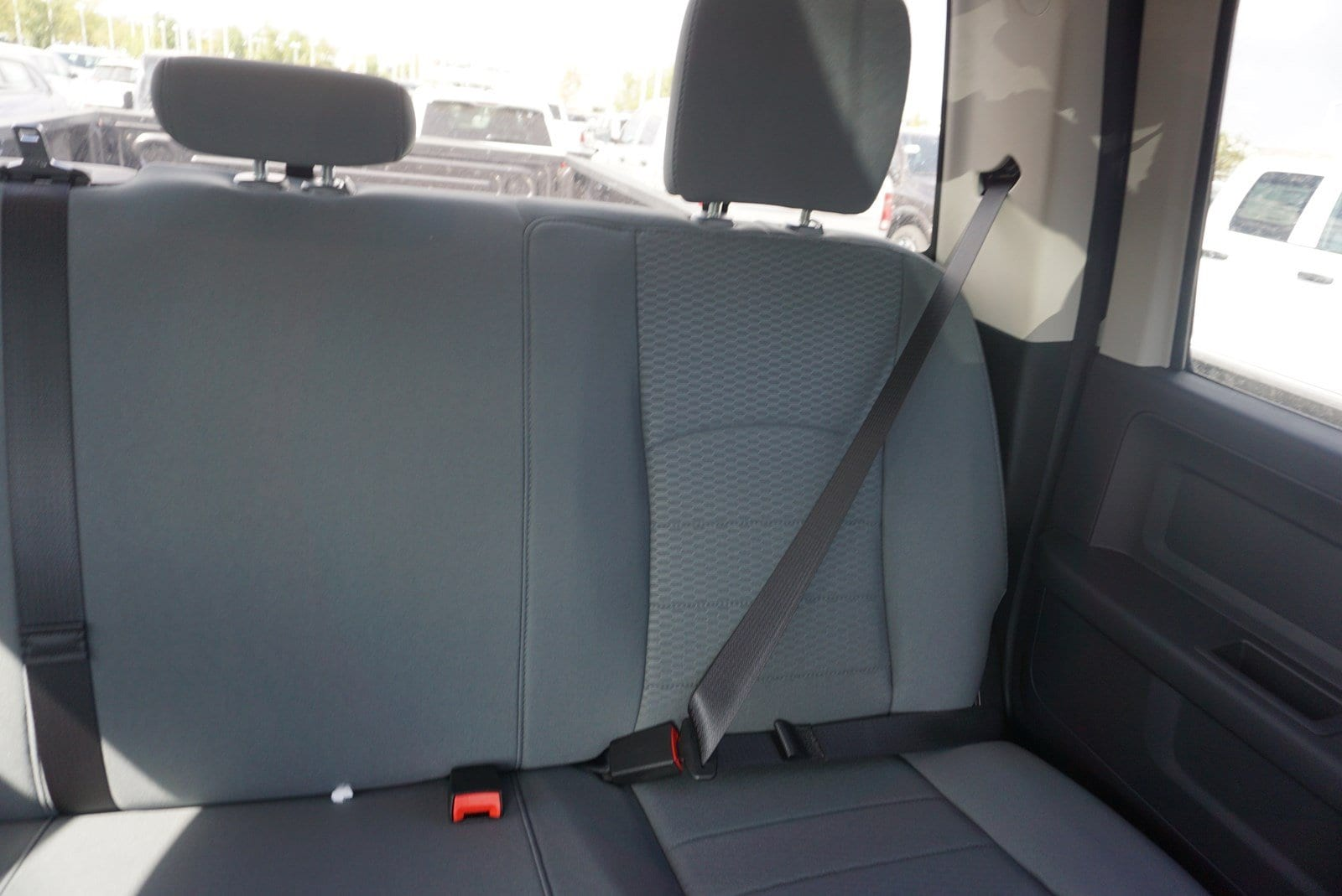 2018 Ram 3500 Crew Cab DRW 4x4 Pickup #47036 - photo 14