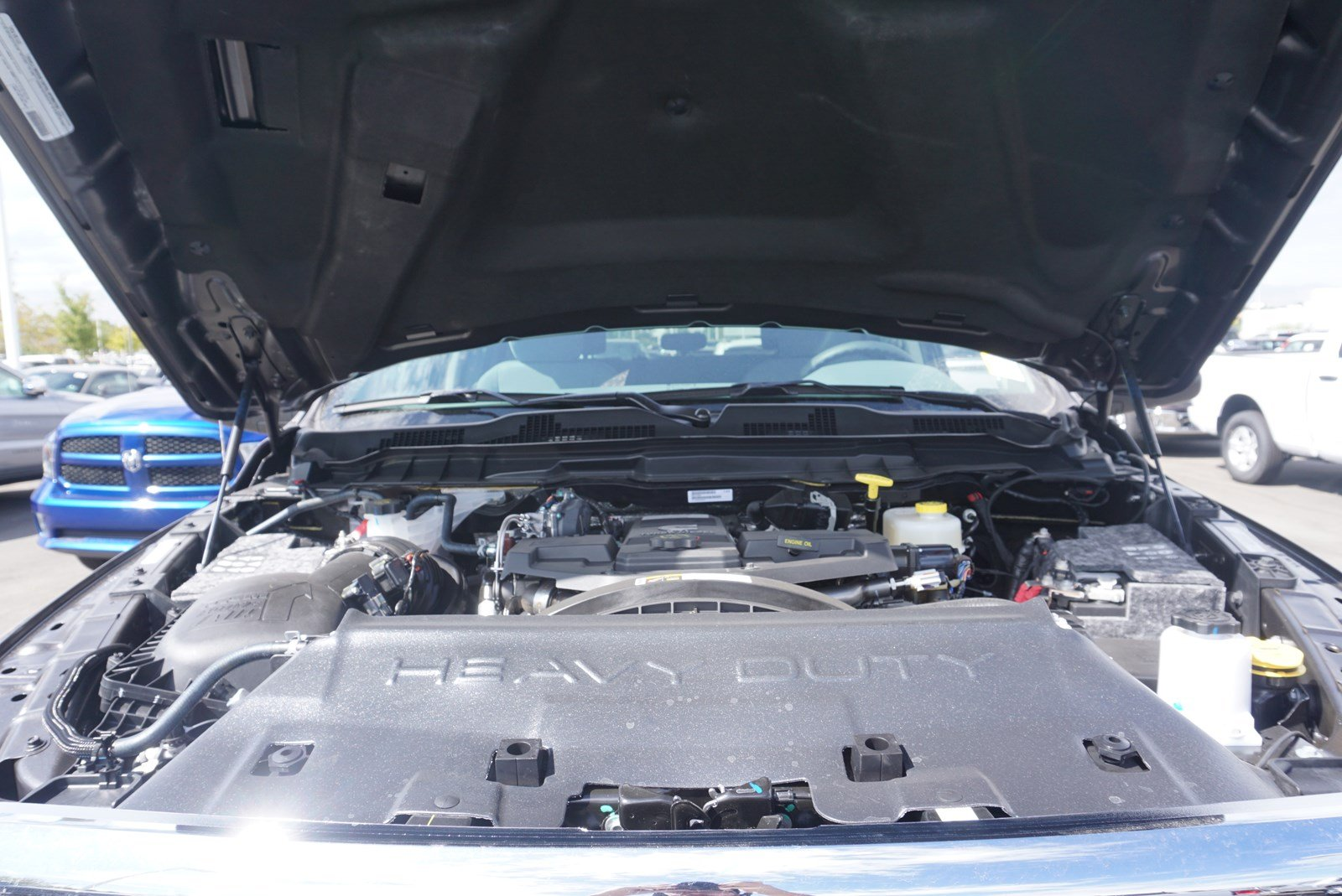 2018 Ram 3500 Crew Cab DRW 4x4 Pickup #47036 - photo 19