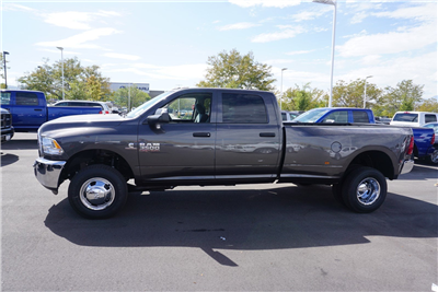 2018 Ram 3500 Crew Cab DRW 4x4 Pickup #47036 - photo 5