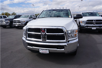 2018 Ram 3500 Crew Cab DRW 4x4 Pickup #47039 - photo 3
