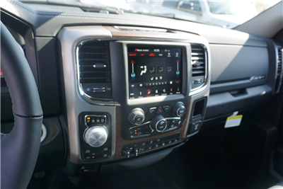 2018 Ram 1500 Crew Cab 4x4 Pickup #47042 - photo 16