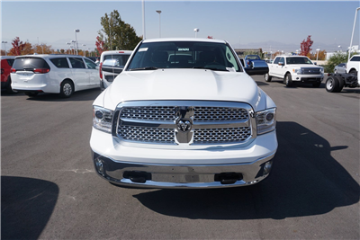 2018 Ram 1500 Crew Cab 4x4 Pickup #47042 - photo 3