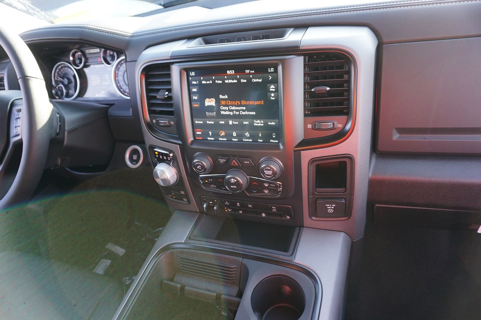 2018 Ram 1500 Crew Cab 4x4 Pickup #47046 - photo 13