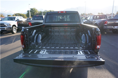 2018 Ram 1500 Crew Cab 4x4 Pickup #47046 - photo 20