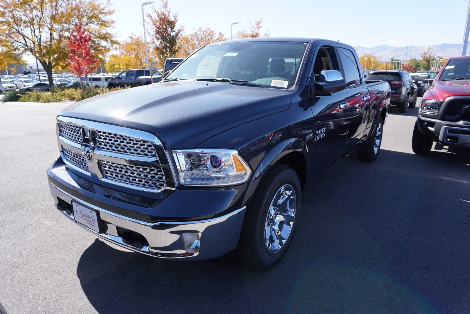 2018 Ram 1500 Crew Cab 4x4, Pickup #47063 - photo 4