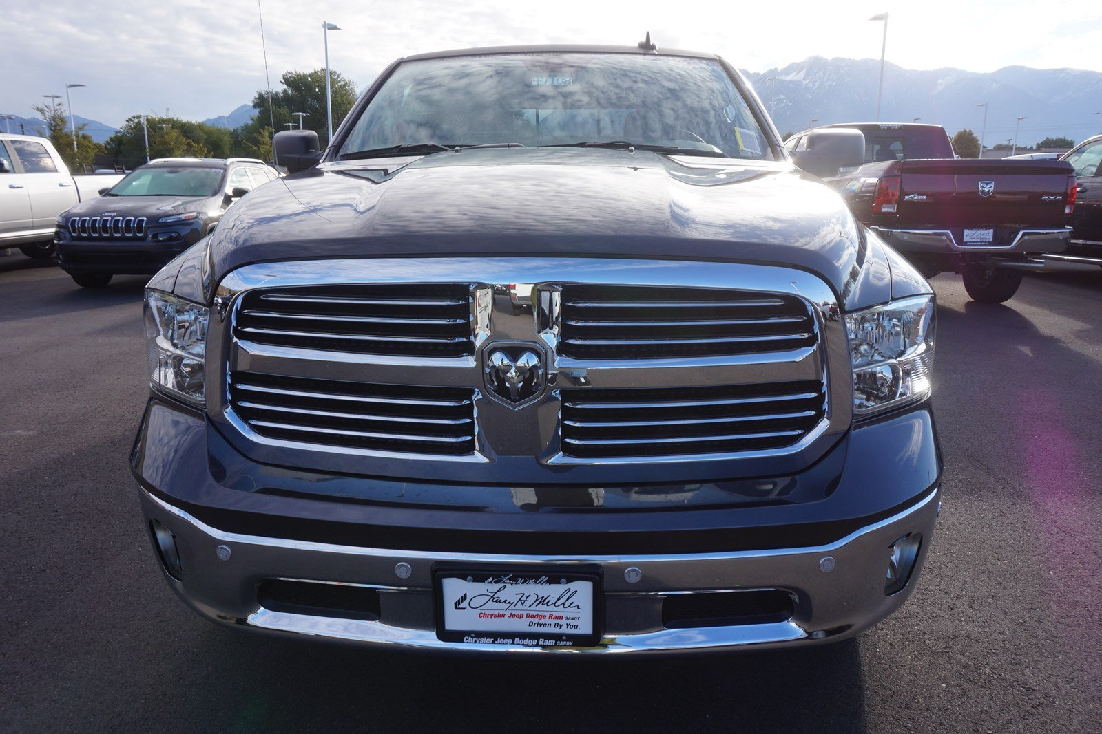 2018 Ram 1500 Crew Cab 4x4 Pickup #47108 - photo 3