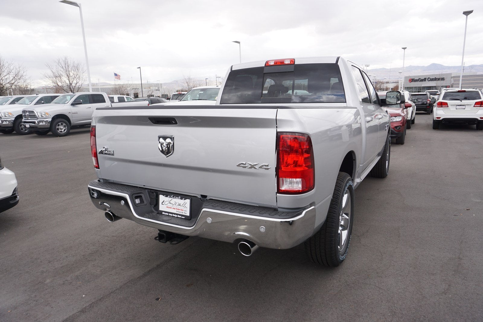 2018 Ram 1500 Crew Cab 4x4 Pickup #47175 - photo 2