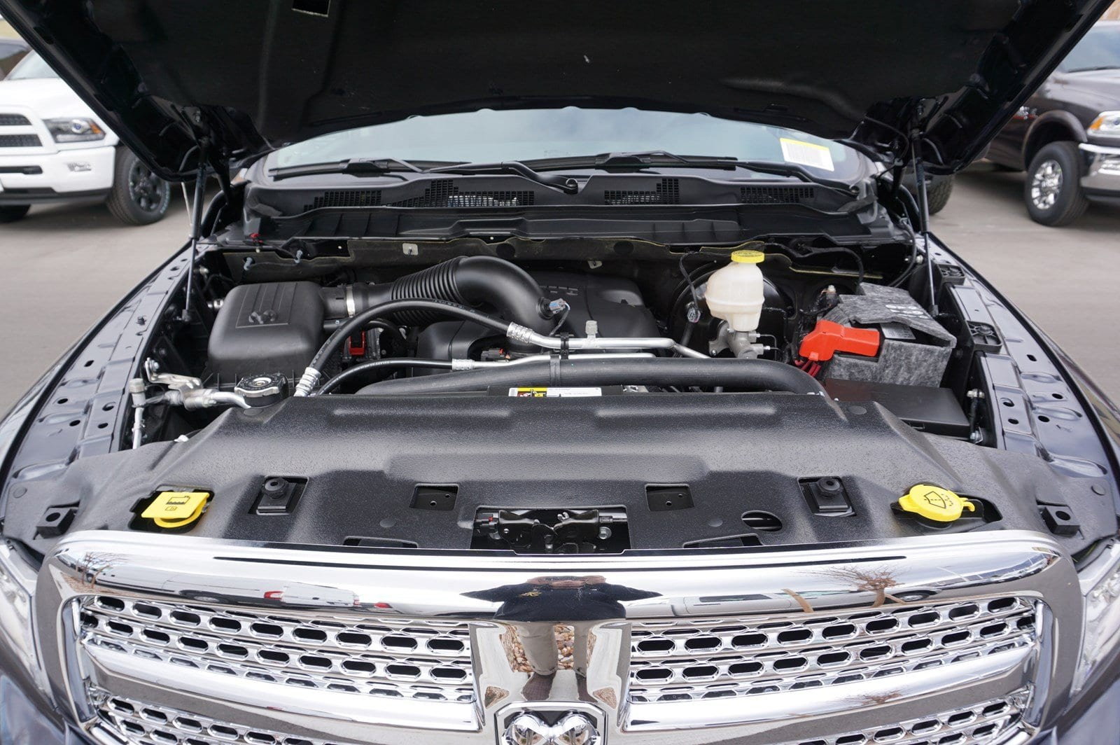 2018 Ram 1500 Crew Cab 4x4, Pickup #47228 - photo 19