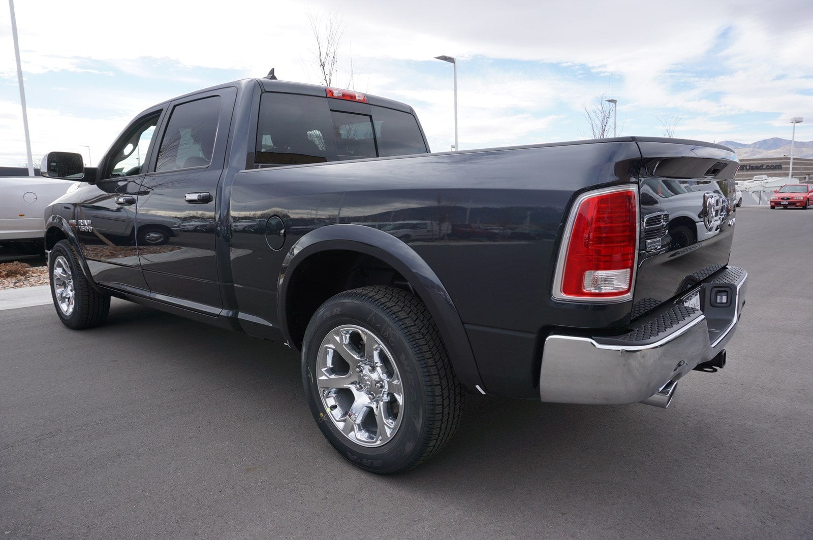 2018 Ram 1500 Crew Cab 4x4, Pickup #47228 - photo 6