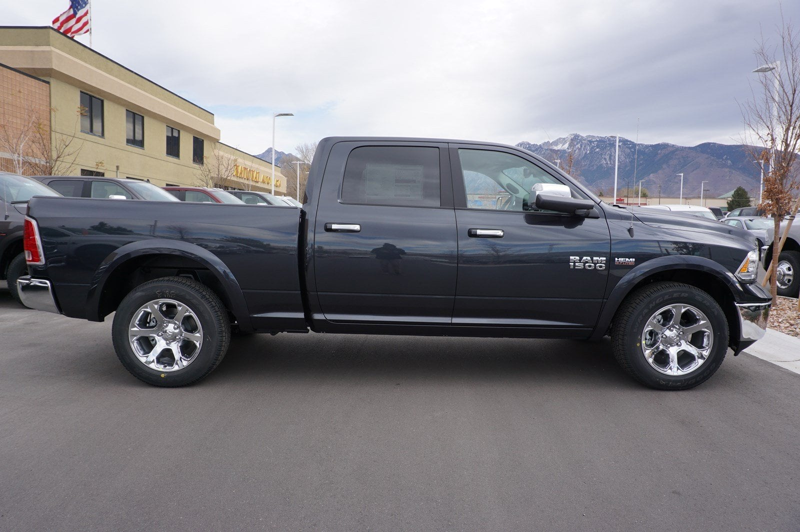 2018 Ram 1500 Crew Cab 4x4, Pickup #47228 - photo 8