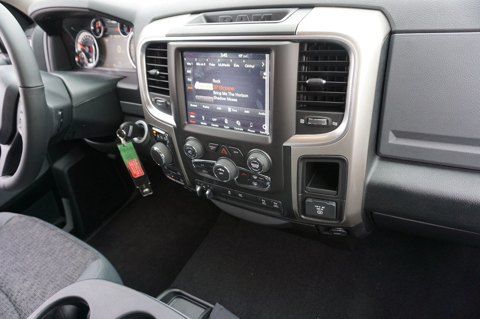 2018 Ram 1500 Crew Cab 4x4, Pickup #47266 - photo 10