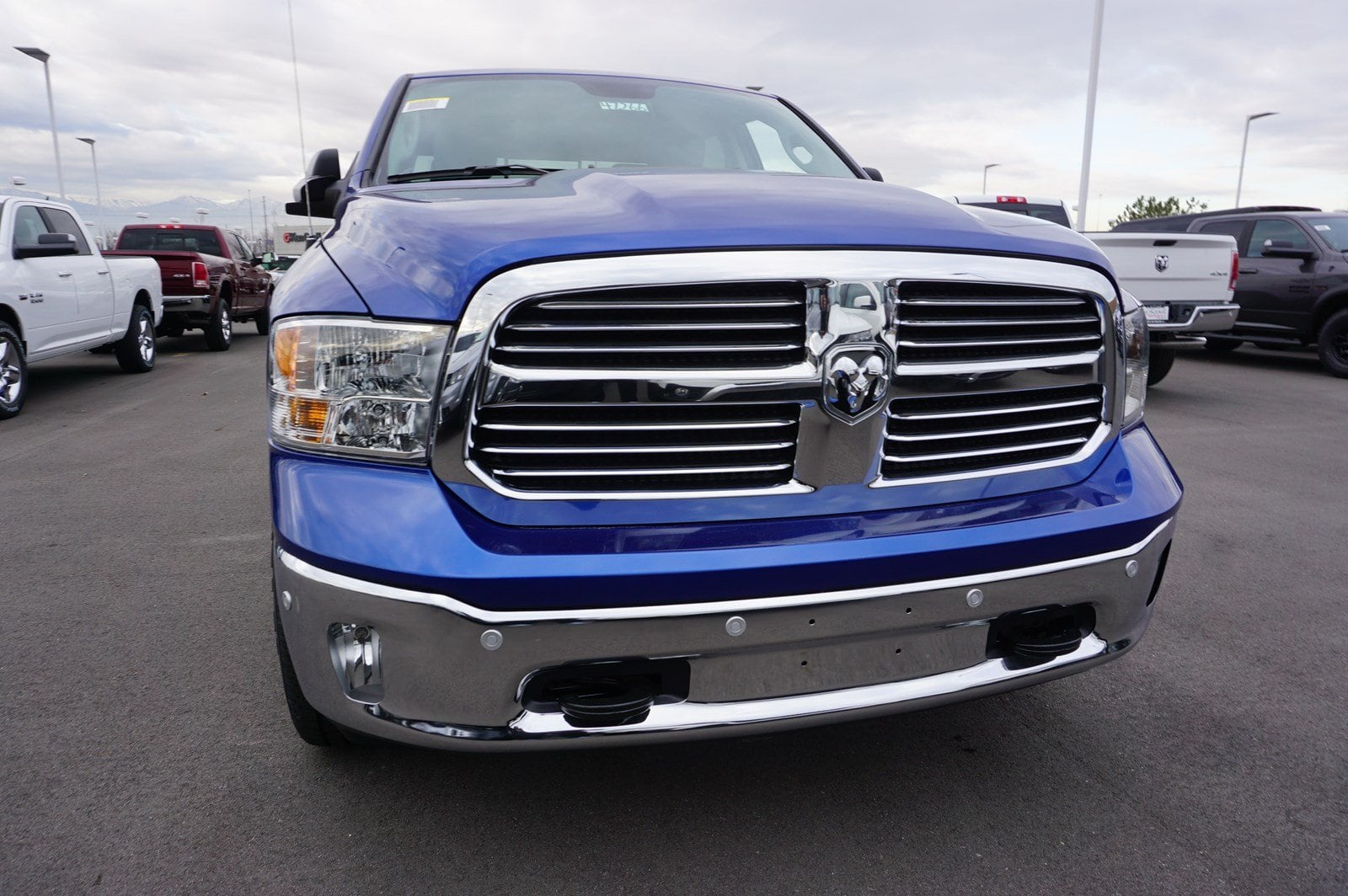 2018 Ram 1500 Crew Cab 4x4, Pickup #47266 - photo 3