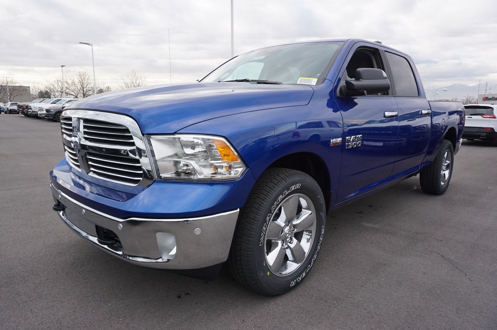 2018 Ram 1500 Crew Cab 4x4, Pickup #47266 - photo 4