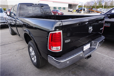 2018 Ram 3500 Crew Cab 4x4, Pickup #47546 - photo 6