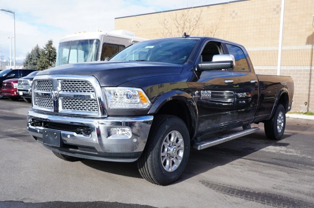 2018 Ram 3500 Crew Cab 4x4,  Pickup #48276 - photo 4