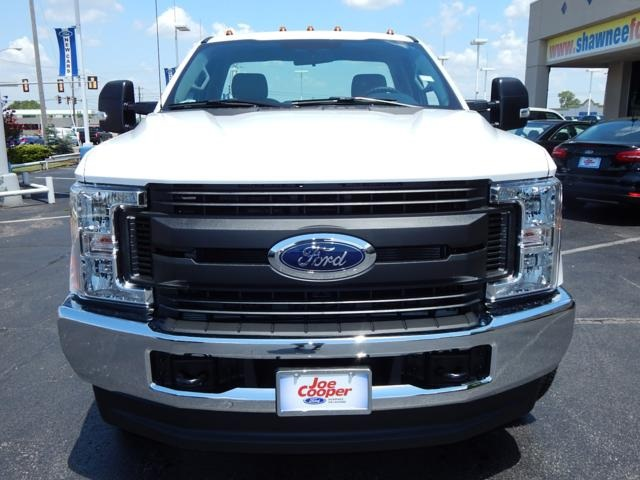 2017 F-350 Regular Cab DRW 4x4 Cab Chassis #HEE18310 - photo 4