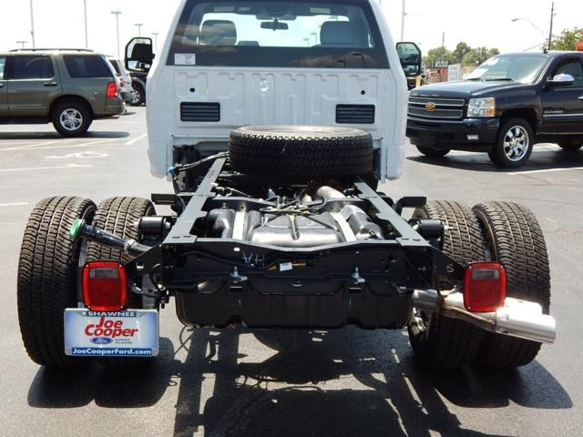 2017 F-350 Regular Cab DRW 4x4 Cab Chassis #HEE18310 - photo 2