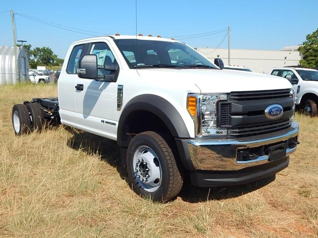 2017 F-550 Super Cab DRW 4x4 Cab Chassis #HEE01405 - photo 1