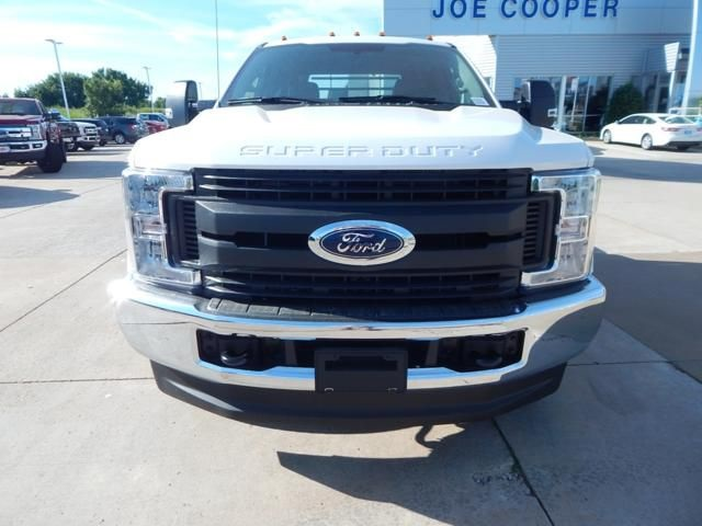 2018 F-350 Super Cab DRW 4x4,  Platform Body #JEC39328 - photo 3