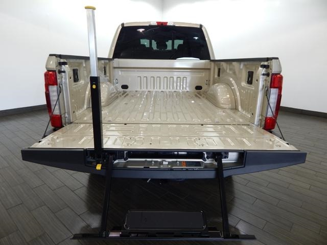 2017 F-250 Crew Cab 4x4, Pickup #HED31079 - photo 6