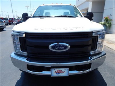 2017 F-350 Regular Cab DRW 4x2,  Cab Chassis #HEE44897 - photo 4
