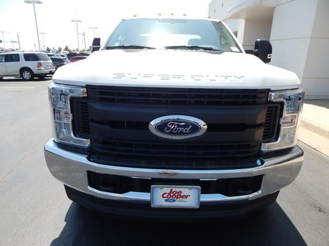 2018 F-350 Super Cab DRW 4x4,  Cab Chassis #JEC39327 - photo 4
