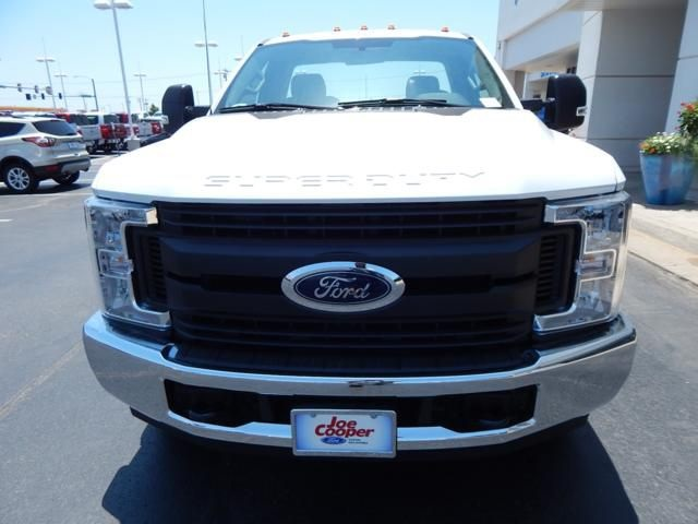 2018 F-350 Regular Cab DRW 4x2,  Cab Chassis #JEC56114 - photo 4