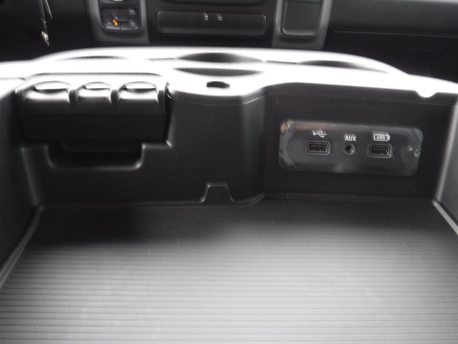 2018 Ram 1500 Crew Cab 4x4 Pickup #180231 - photo 17