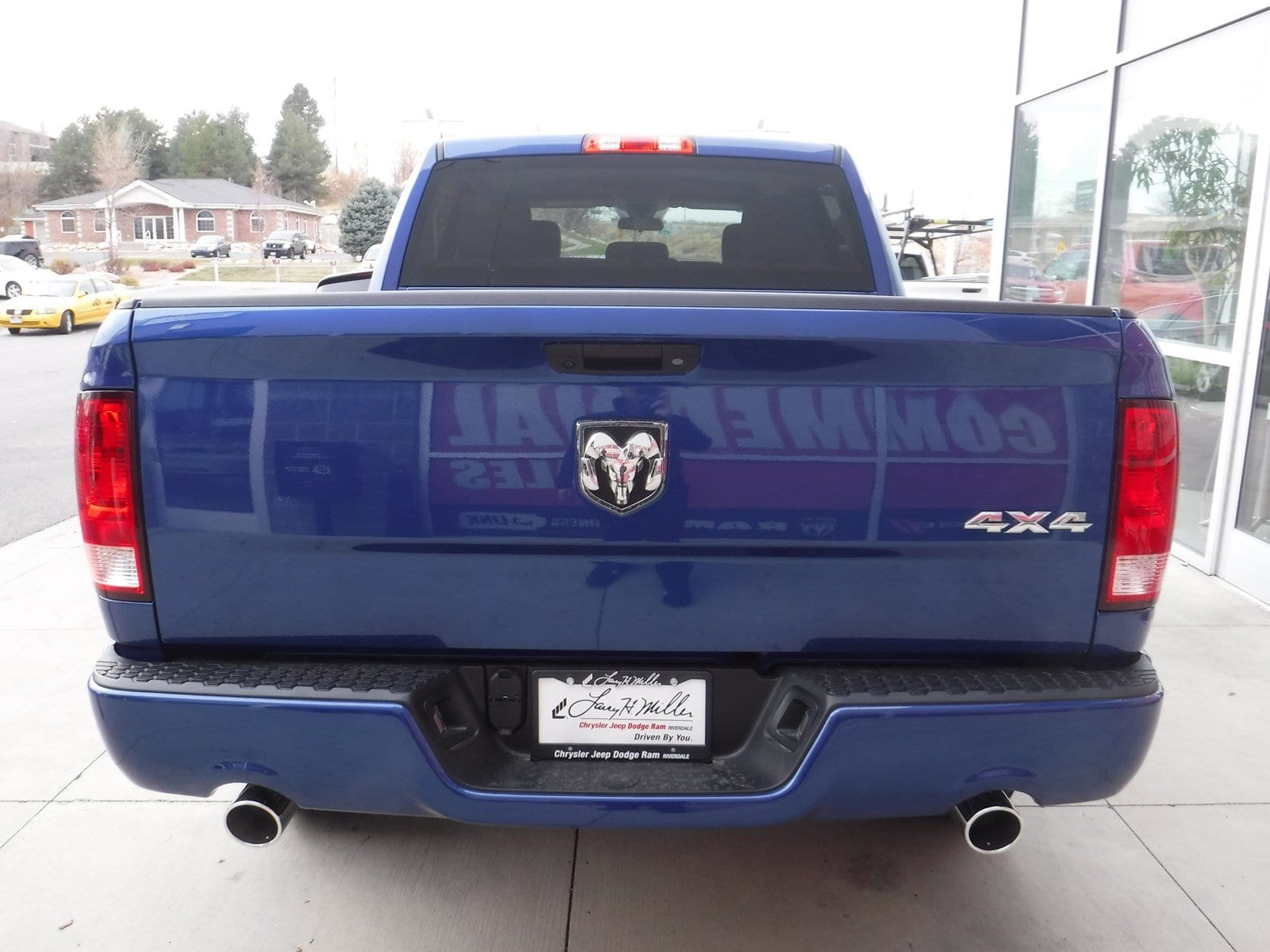 2018 Ram 1500 Crew Cab 4x4 Pickup #180231 - photo 3