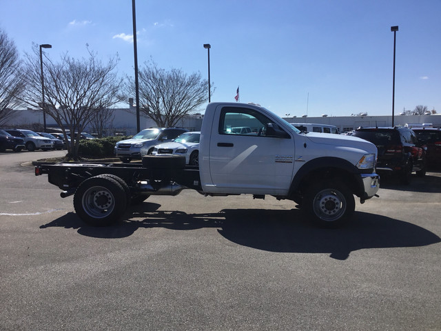 2017 Ram 5500 Regular Cab DRW 4x4, Cab Chassis #HG702881 - photo 5