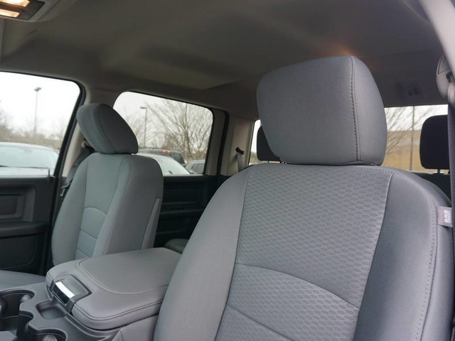 2018 Ram 1500 Crew Cab 4x4, Pickup #JG158611 - photo 10