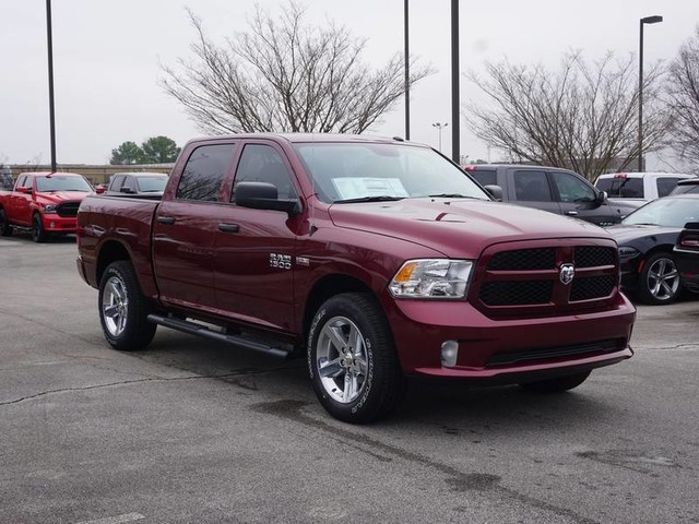 2018 Ram 1500 Crew Cab 4x4, Pickup #JG158611 - photo 3