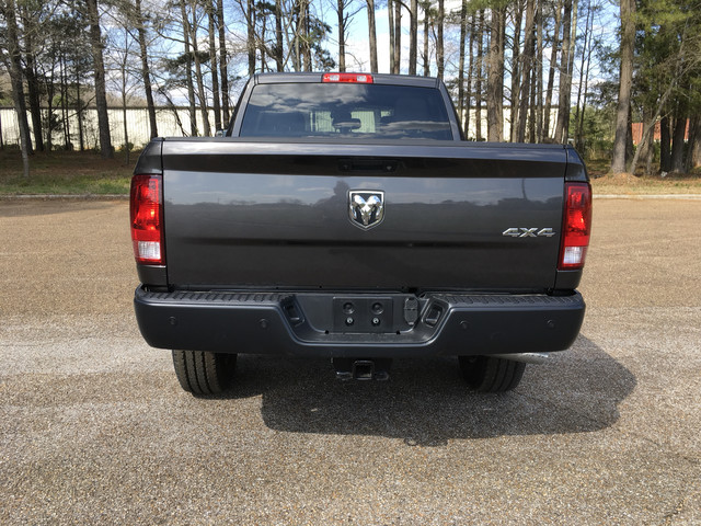 2018 Ram 2500 Crew Cab 4x4, Pickup #JG209511 - photo 2