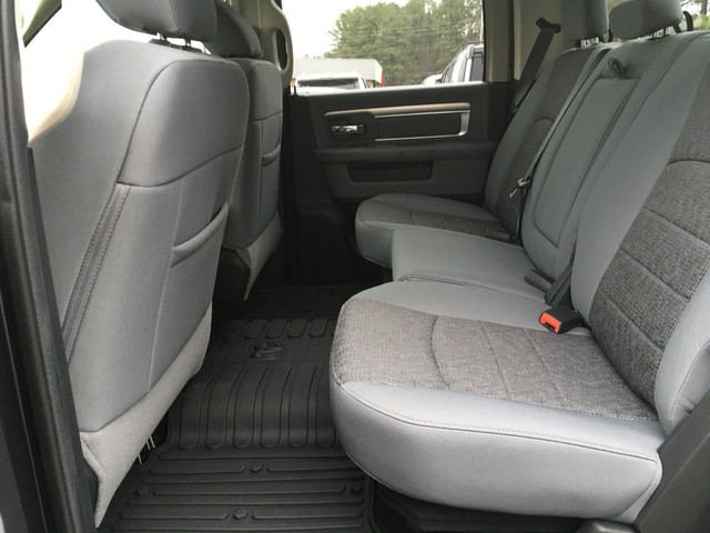 2018 Ram 1500 Crew Cab 4x4, Pickup #JS159066 - photo 10