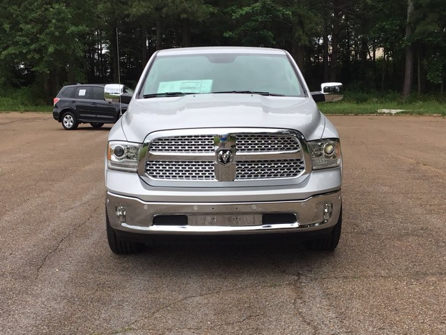 2018 Ram 1500 Crew Cab 4x4,  Pickup #JS232043 - photo 3