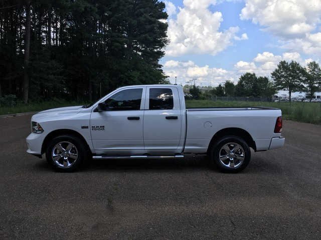 2018 Ram 1500 Quad Cab 4x4,  Pickup #JS308291 - photo 4