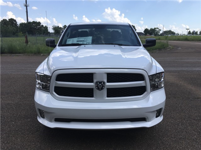 2018 Ram 1500 Quad Cab 4x4,  Pickup #JS308291 - photo 3
